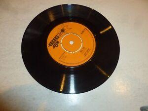 JUDGE-DREDD-Big-Six-1972-UK-2-track-7-034-Vinyl-Single