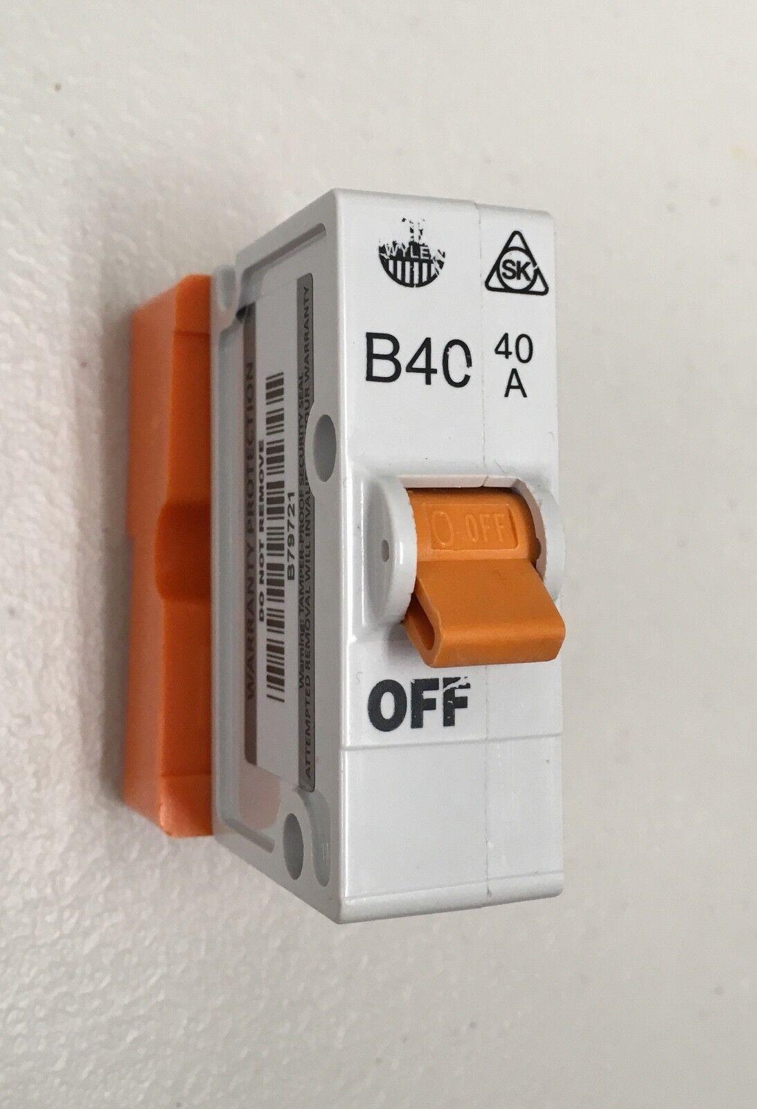 WYLEX 6A Type B Push//Plug-In Circuit Breaker B6 MCB Inc Base White
