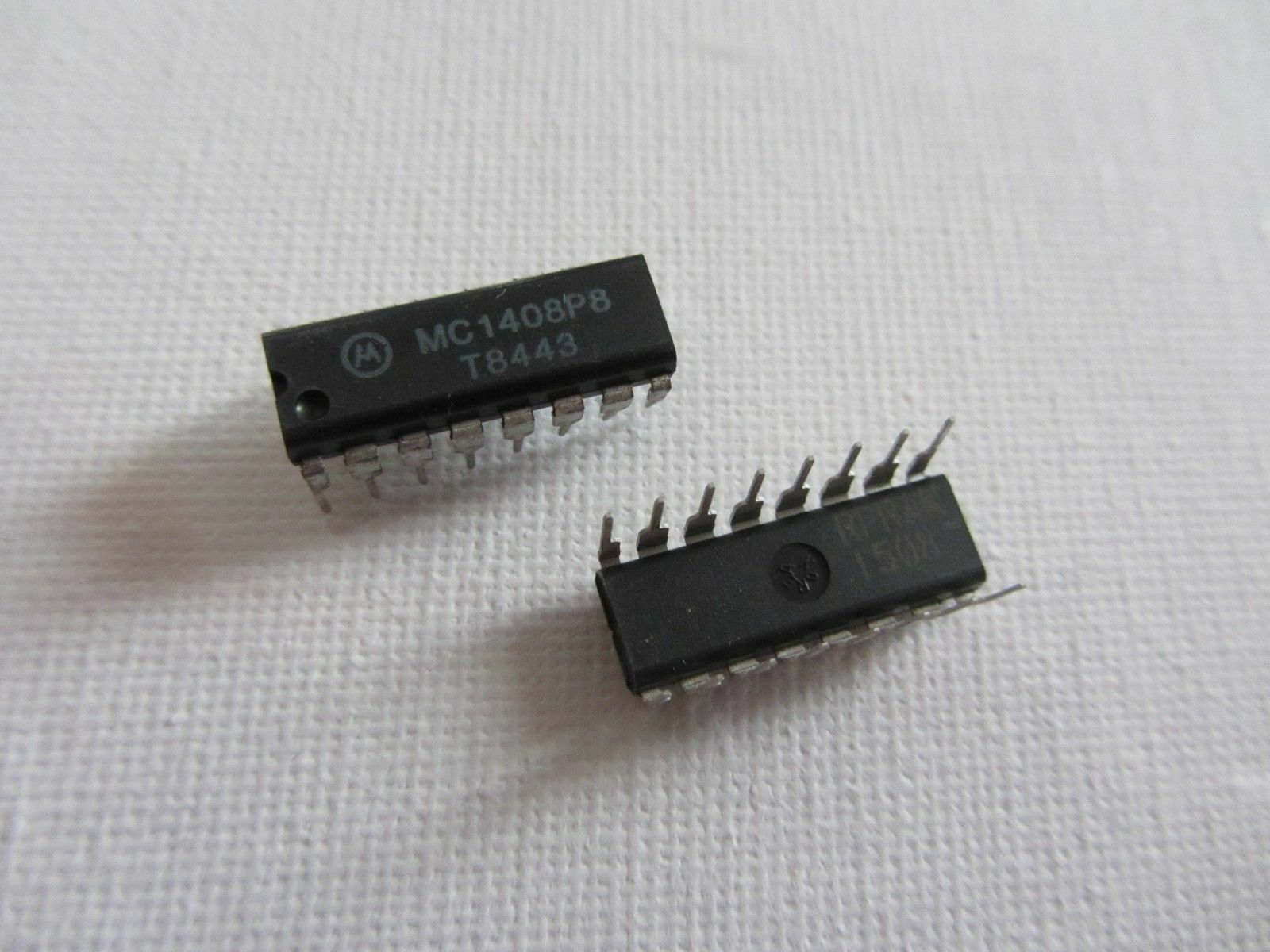 5 pezzi-Motorola mc1408l8-8-bit D//A Converter dic16 dac0808-5x