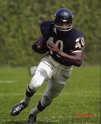 Gale Sayers Chicago Bears NFL Football Player Glossy 8 x 10 Photo