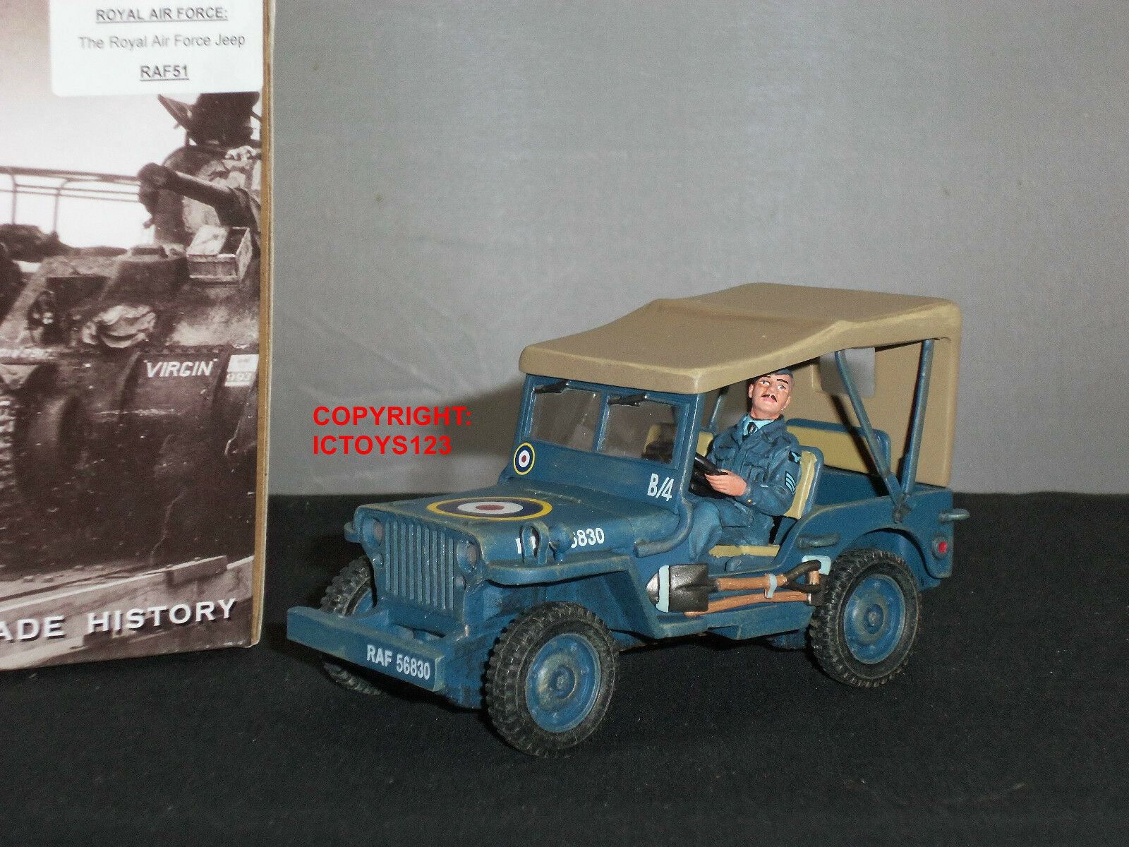 KING AND COUNTRY RAF51 ROYAL AIR FORCE RAF UNIVERSAL JEEP + DRIVER FIGURE SET