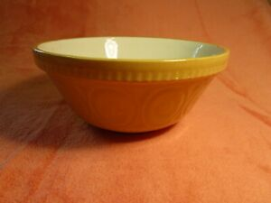 Vintage-Medium-Tan-And-White-Mixing-Bowl-Made-In-England