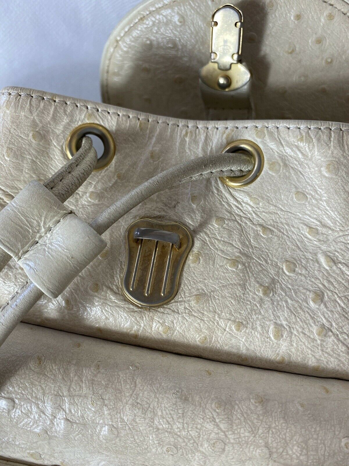 RARE VTG GIANNI VERSACE 90S WHITE OSTRICH BACKPACK - image 6