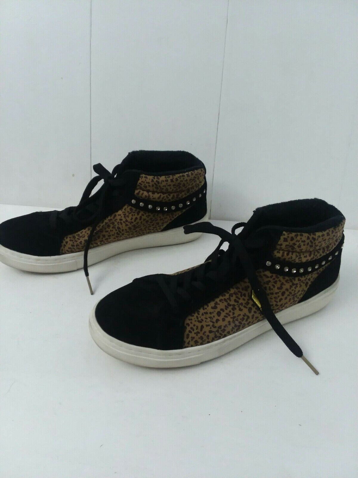 Women's Size 8 Leopard Print And Black Embellished Low top Skechers Sneakers