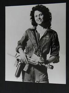 RARE-PHOTO-PRESSE-FILM-ALIEN-MOVIE-1979-SIGOURNEY-WEAVER