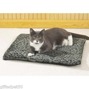 Pampered-Pet-Thermal-Warming-Bed-Cat-or-Small-Dog-Mat