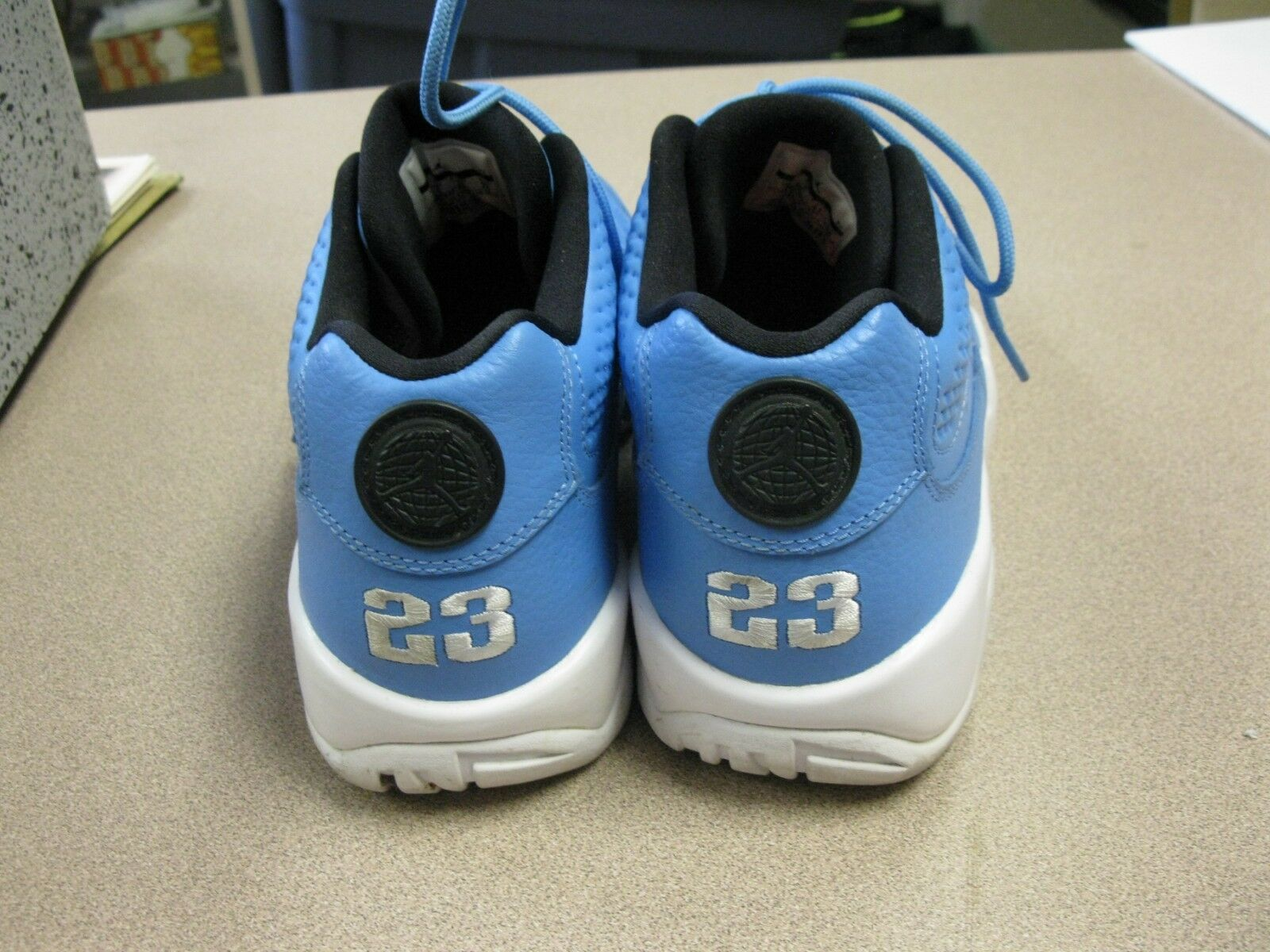 AIR 9 JORDAN RETRO 9 AIR LOW PANTONE LIGHT BLUE LEATHER SIZE 8 832822-401 81ad53