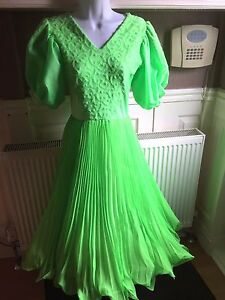 LIME-GREEN-BALLROOM-DRESS-B10-D1