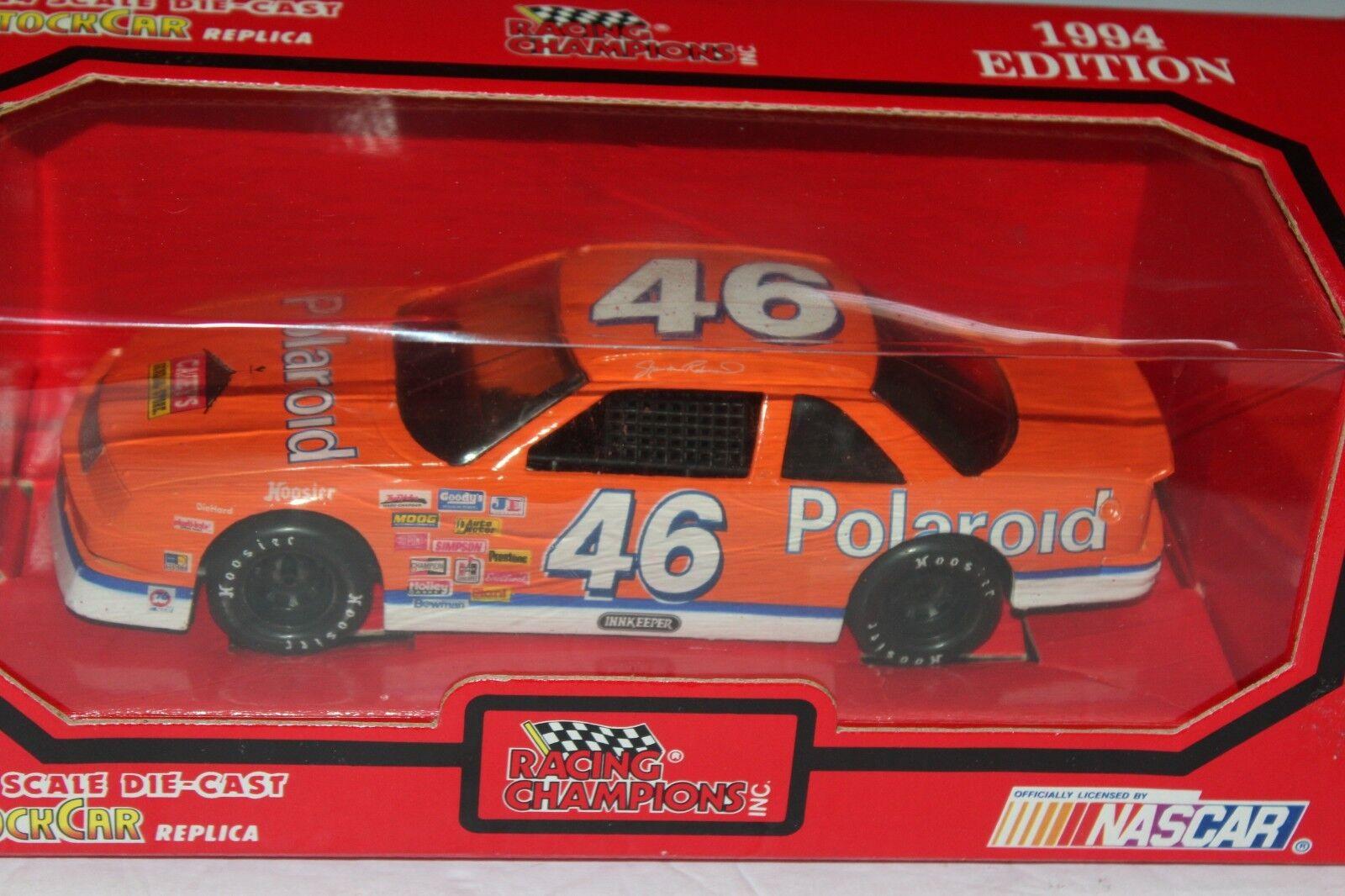 RACING CHAMPIONS SHAWNA ROBINSON CHEVROLET LUMINA NASCAR RACE CAR    IN BOX