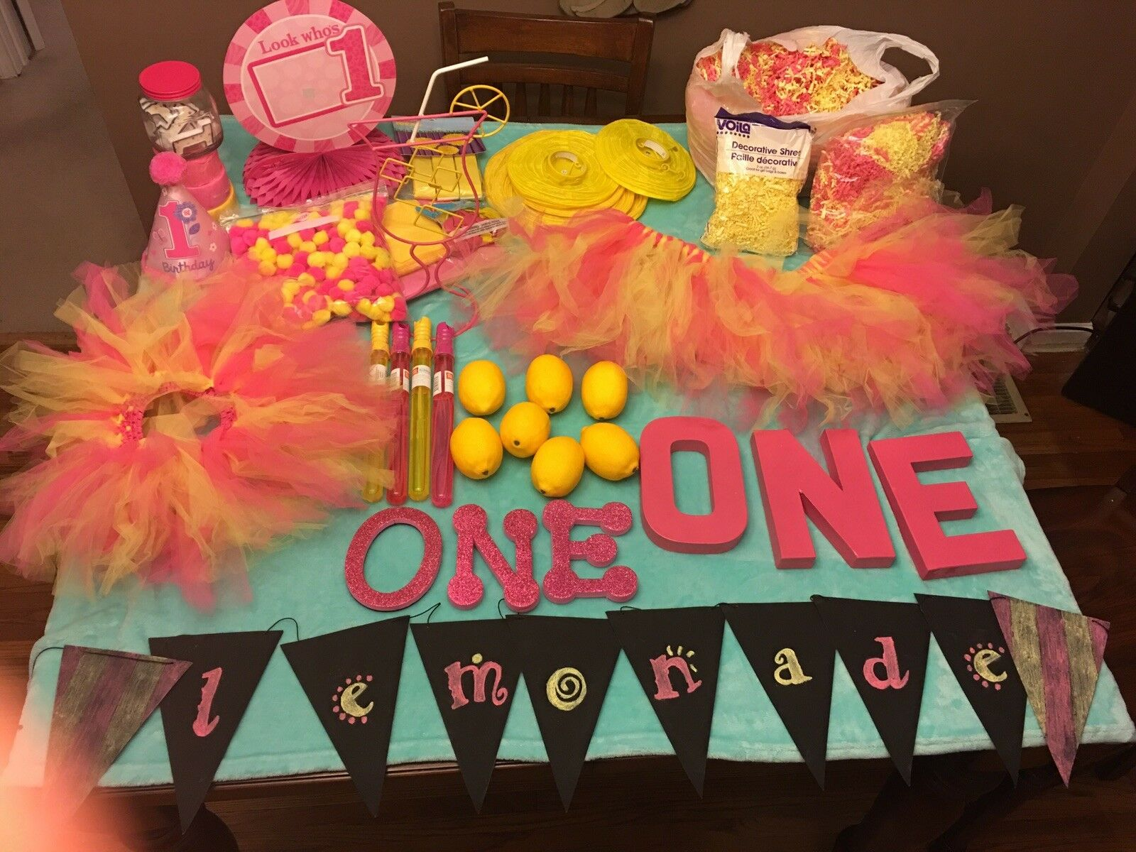 Limonade Rose 1st Birthday Party Supplies