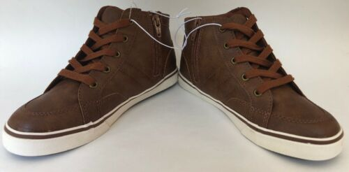 NWT sz 2 Cat And Jack Florian Ankle Shoes Zip up with faux laces Brown