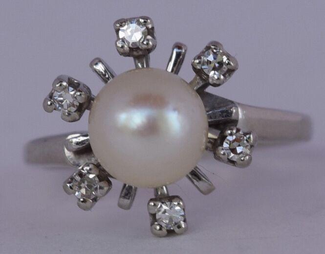 Solid White gold Pearl & cluster Diamonds fine modernist flower shape ring