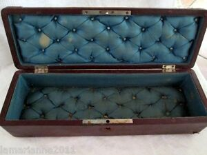 BOITE A GANTS EN CUIR SOIE NAPOLEON III     ANTIC LEATHER GLOVE BOX