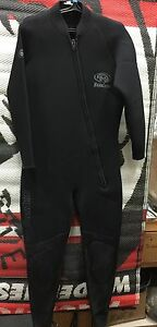 Used Pro Max 6.5 mm Women's MD Wetsuit