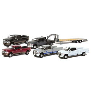 1-64-2018-Ram-3500-Dually-Gooseneck-NEW-FROM-GREENLIGHT