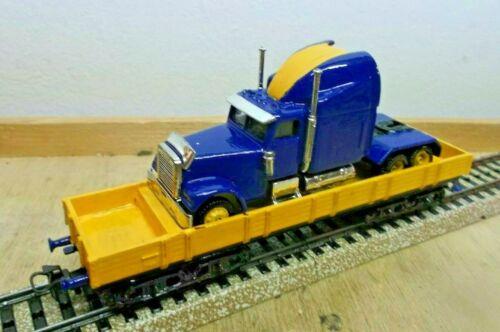 Märklin H0 4474 Niederbordwagen mit US Truck beladen