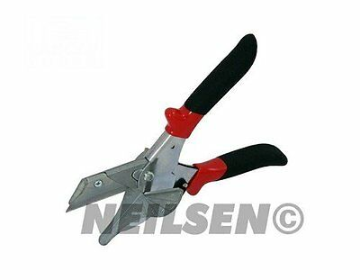 Tube and Trim Cutter Cutting Window Gaskets, Picture Mouldings, Plastic, Conduit