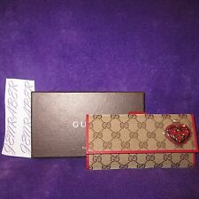 NIB AUTH GUCCI GG CONTINENTAL RED TAN AND GOLD HEART WALLET CLUTCH BAG