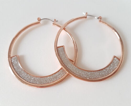 Beautiful 5cm rose gold tone /& sparkly silver glitter  round hoop earrings