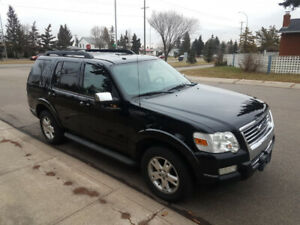 Low KM 2010 ford Explorer XLT Loaded Excellent Condition