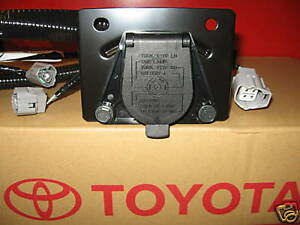 2005 2015 tacoma trailer tow hitch wire harness 7 pin 82169 04010 rh ebay com toyota tundra trailer wiring harness toyota trailer wiring harness adapter
