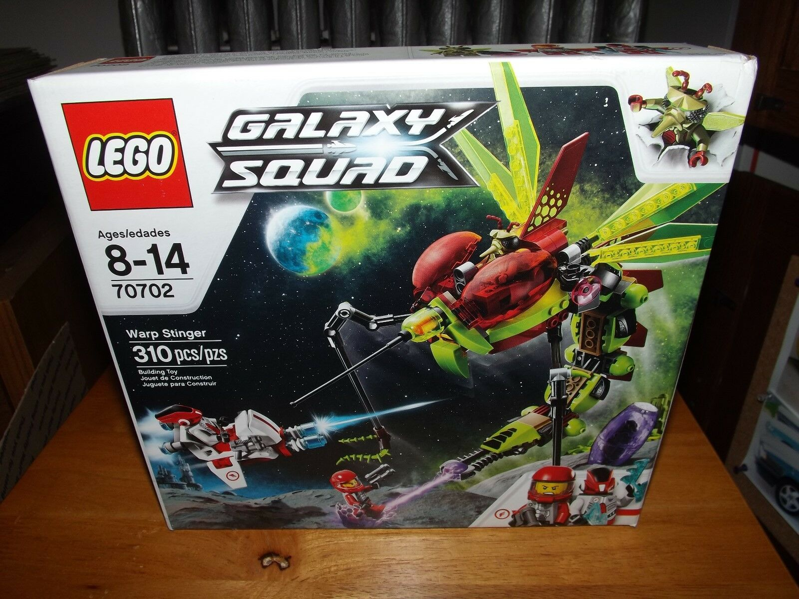 LEGO GALAXY SQUAD, WARP STINGER, WITH 3 MINI FIGS, KIT NEW IN BOX, 2013
