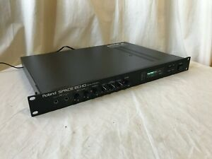 Roland-SPACE-ECHO-DIGITAL-ECHO-RE-3-vintage-rack