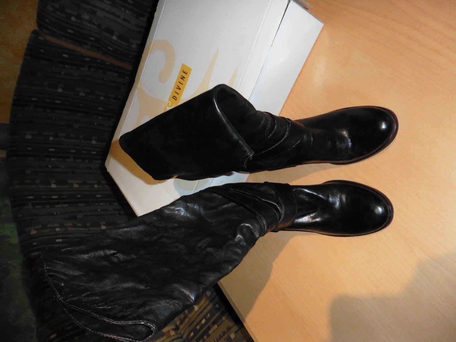 Biete Leder Stiefel von Miss Divine in der Größe 39 an