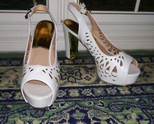 Scarpe-donna-eleganti-bianche-e-oro-intagliate-numero-40