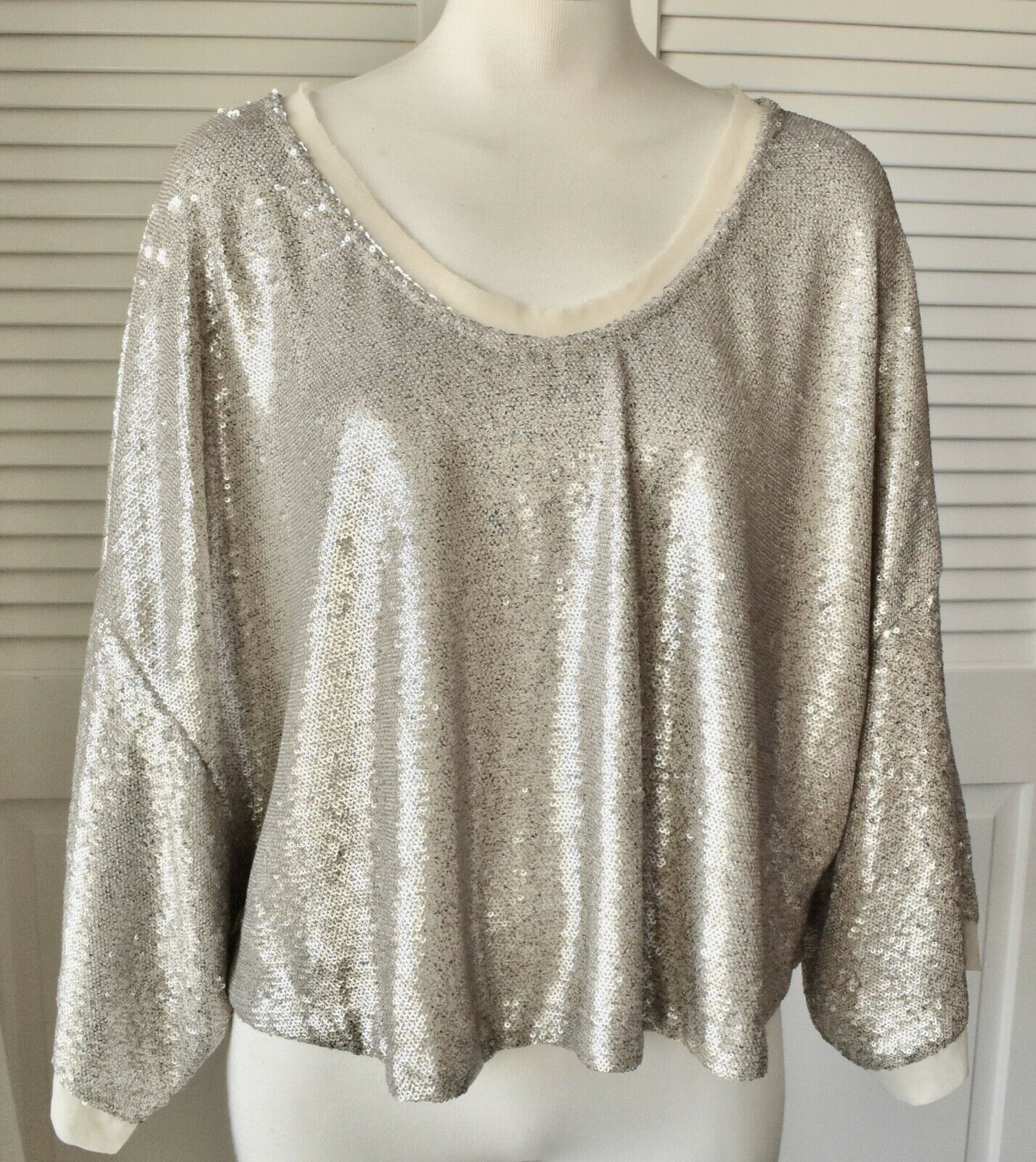 90642bab NWT Free People Champagne Dreams Gold Sequin 3 4 sleeve Crop Top Blouse Sz  Small