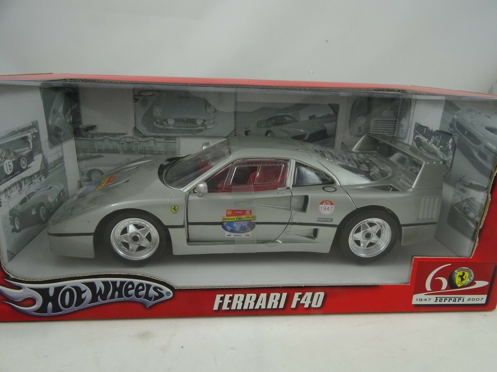 1 18 Hot Wheels  L2958 Ferrari F40 Plata - Rareza
