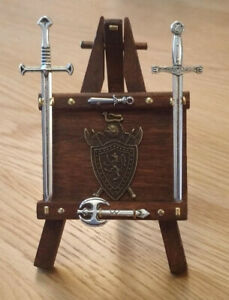 1-12-Dolls-House-miniature-Handmade-Weapons-Rack-Sword-Stand-Axe-Swords-INC-LGW