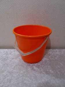 DDR-Design-Pneumant-Plaste-Kunststoff-Eimer-Vintage-um-1970-Orange