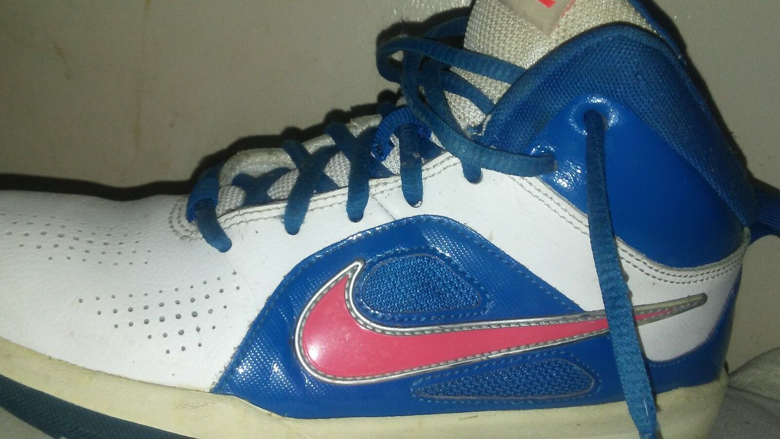 bluee and white nike sneaker