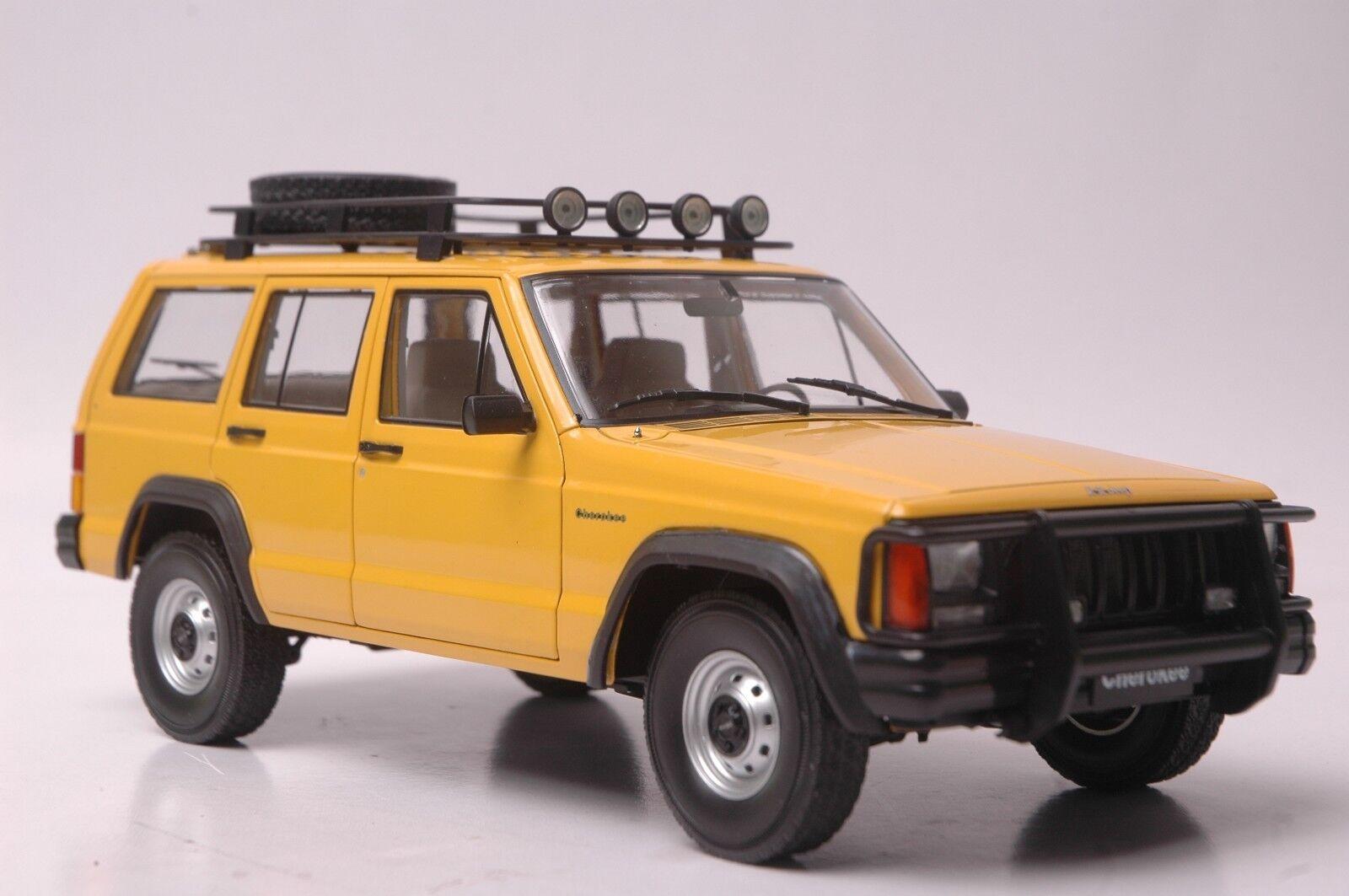 Jeep Cherokee  2500 modèle de voiture en échelle 1 18 jaune  garantie de crédit