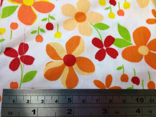 hello kitty 100/% Cotton Poplin Cherry Elephant prints Fat1//4-50x56cm Floral