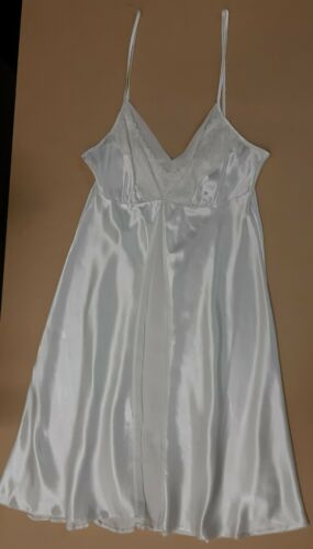 LADIES EX STORE IVORY SATIN WITH LACE CAMI  NIGHTDRESS UK SIZES 8-14