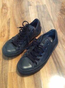 Converse Uk Mens 5 Black Leather Pumps