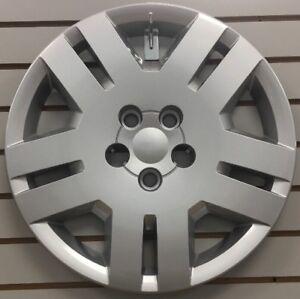 NEW-DODGE-AVENGER-17-034-Silver-Bolt-on-Hubcap-Wheelcover