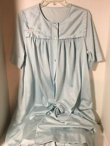 Vintage-Shadowline-Blue-Nylon-Embroidered-Robe-Size-Medium-VGC-Lots-of-Details