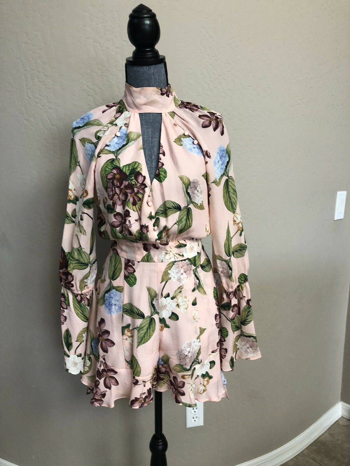 Nicholas  Ruffled Romper Dress Size XS US 0-2 Pink Floral Print Tropical