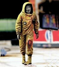 Royal Model 1/35 Zombie in NBC Coverall Fictional Undead (Zombie Series) 763