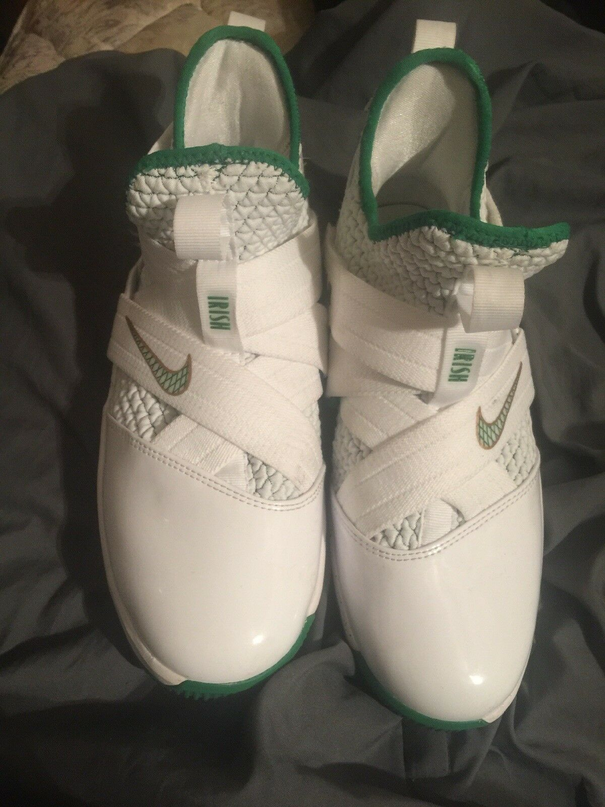 4d3ad4970cbd ... Nike Lebron Soldier 12 XII SVSM SVSM SVSM YouthAO2609-100 White Green  shoes Size 5Y ...