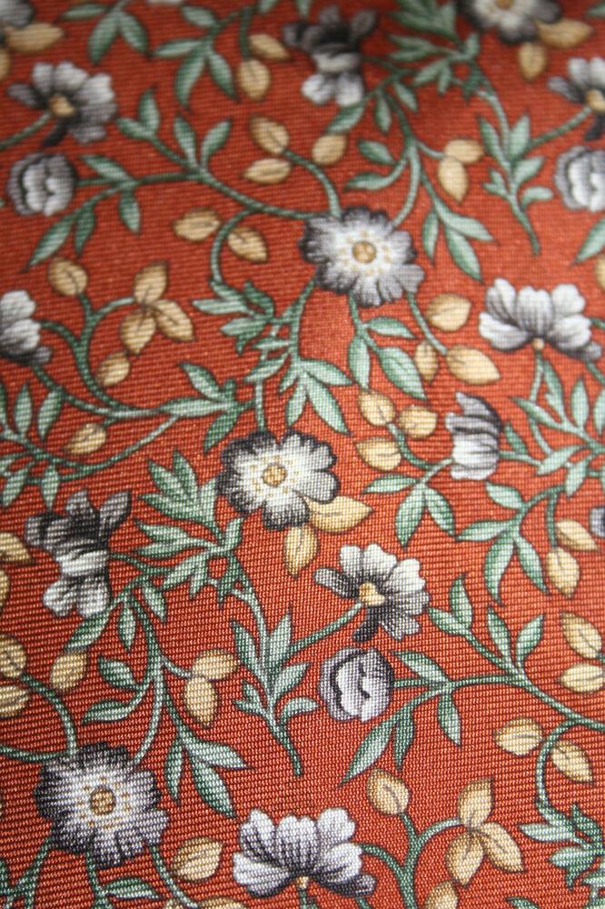 Actif Men's Silk Neck Tie-entièrement Neuf Sans étiquette, Motif Floral, Grand Stocking Filler Une Gamme ComplèTe De SpéCifications