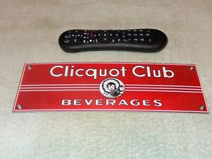 VINTAGE-CLICQUOT-CLUB-BEVERAGES-ESKIMO-12-034-PORCELAIN-METAL-SODA-POP-GAS-OIL-SIGN