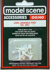 5051 Modelscene OO//HO Gauge Level Signs /& Mile Posts Pack of 6