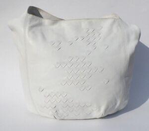 BOTTEGA-VENETA-White-Intrecciato-Lambskin-Leather-Hobo-Woven-Bucket-Shoulder-Bag