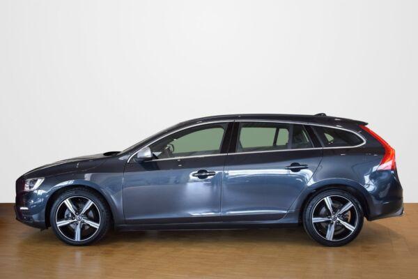 Volvo V60 2,0 D3 150 R-Design aut. - billede 1
