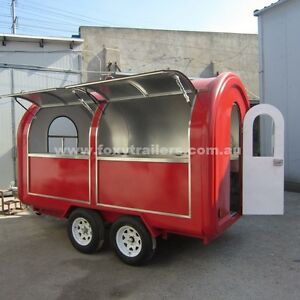 Food-trailer-3000x2000x2100mm-LxWxH-Brand-new-never-been-use-many-accessories