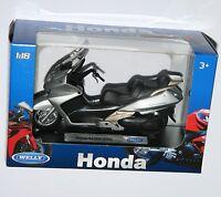 Welly - Honda Silver Wing - Motorbike Model Scale 1:18